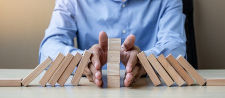 Minimal Risk Trades on IQ Option